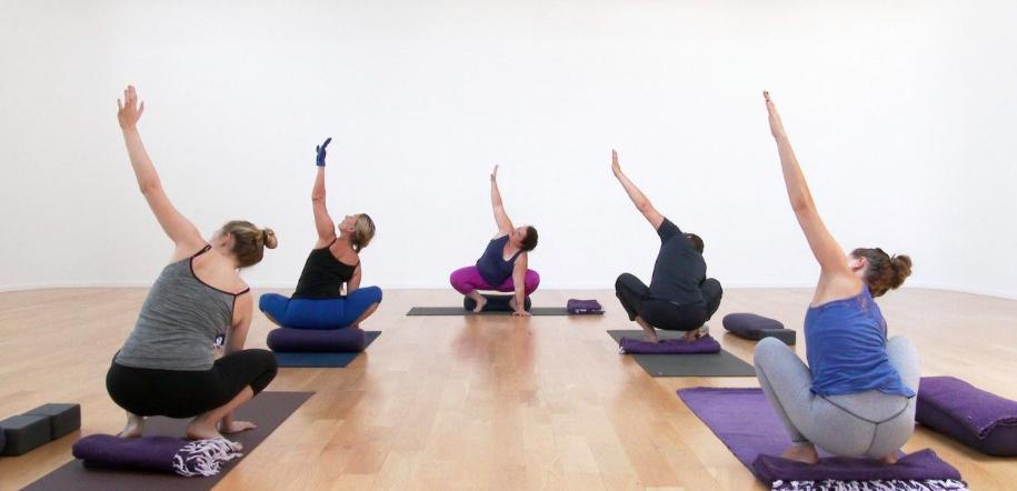 6 yoga classes to cultivate gratitude